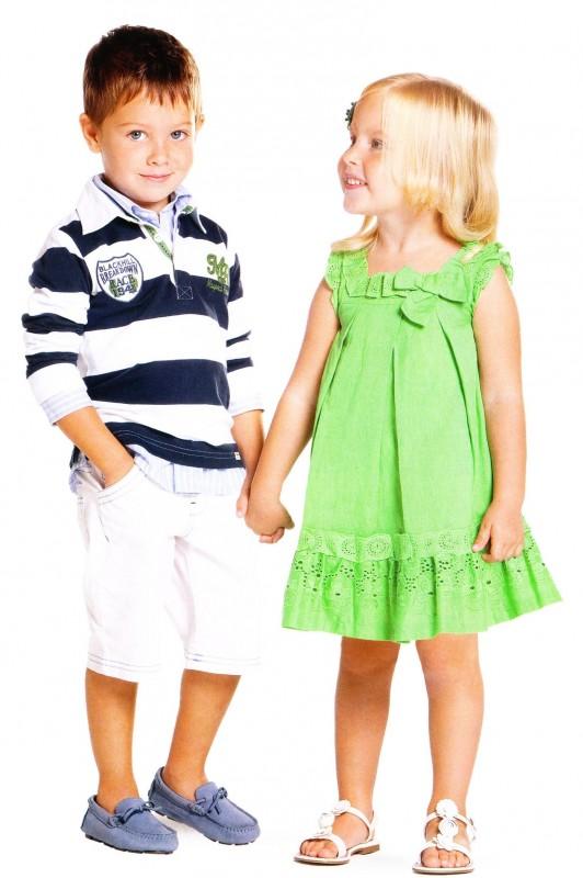 Abbigliamento Bambini Tenerestore è un negozio online di abbigliamento di lusso per bambini e ragazzi da 0 a 16 anni. Offriamo un ampio assortimento di capi dei migliori stilisti internazionali del momento ed effettuiamo spedizioni sicure in tutto il mondo.