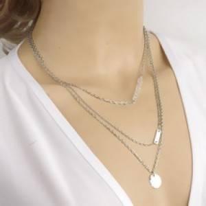 la collana scapolare di maria de filippi
