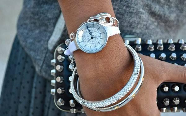orologi Hoops alla moda