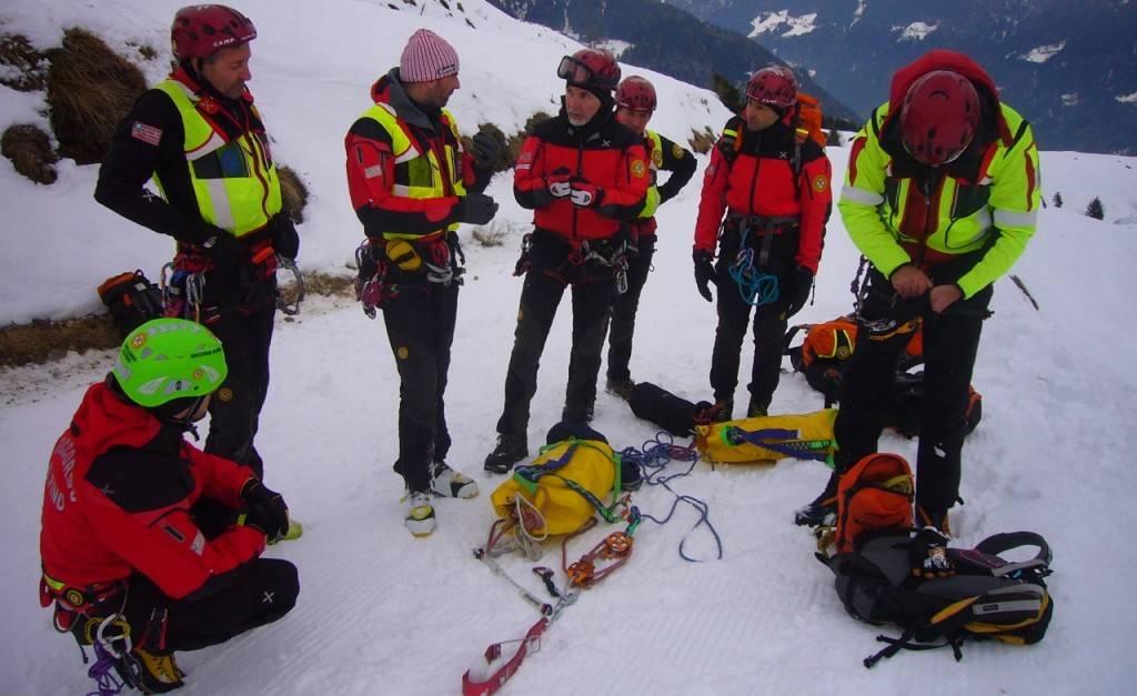 Abbigliamento Soccorso Alpino Caratteristiche tecniche
