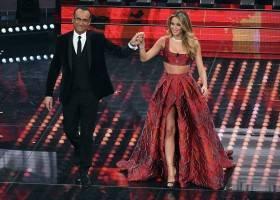 Abito in discussione a Sanremo Meglio l'originale o quello indossato della Leotta?