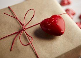San Valentino idee regalo per lei, cosa aspettate che si avvicina troppo la data