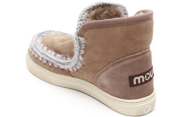 Come pulire gli stivali Mou