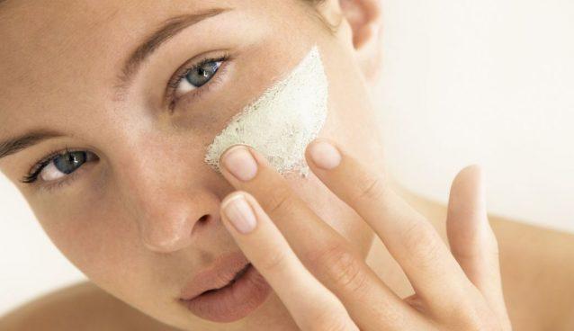 Crema viso per pelli grasse