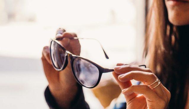 Come pulire occhiali da sole