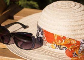 Il cappello d'estate è un must