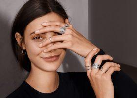 Pandora esordisce con una nuova collezione, Signature anelli Pandora