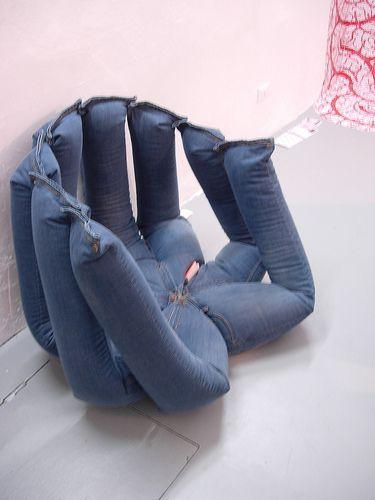 Come trasformare vecchi jeans in un cuscino