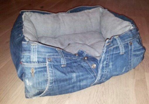Come fare una cuccia con vecchi jeans