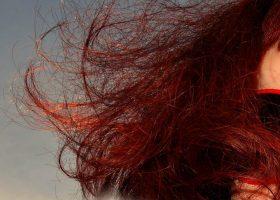 Look alla moda capelli rame con shatush vasta scelta alle sfumature
