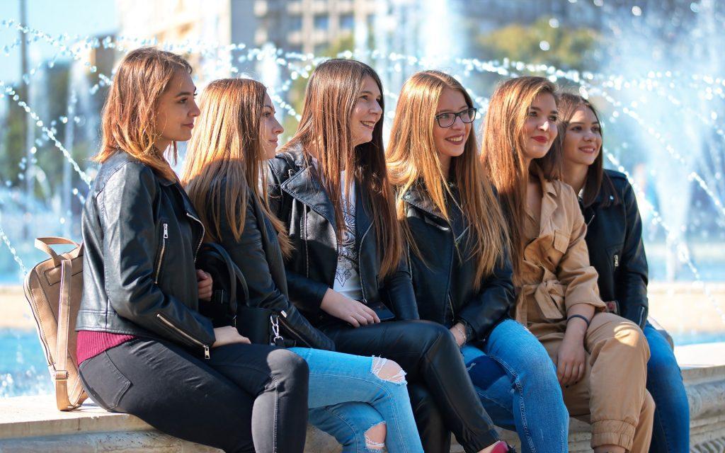 denim e jeans alla moda
