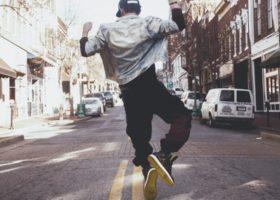 Le tendenze streetwear 2020 della moda sportiva, novità e curiosità