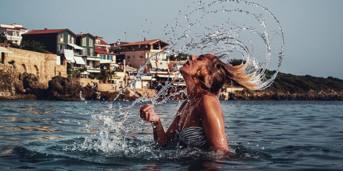 Come proteggere i capelli in estate con Biopoint